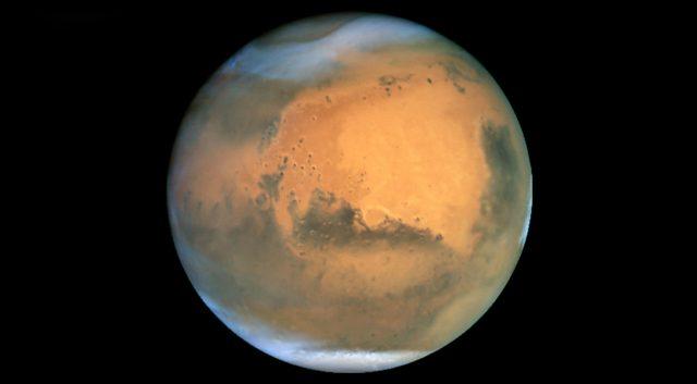 Марсоход Curiosity обнаруживает аномально высокие уровни метана на Марсе