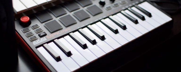 9 лучших USB MIDI контроллеров для музыкантов
