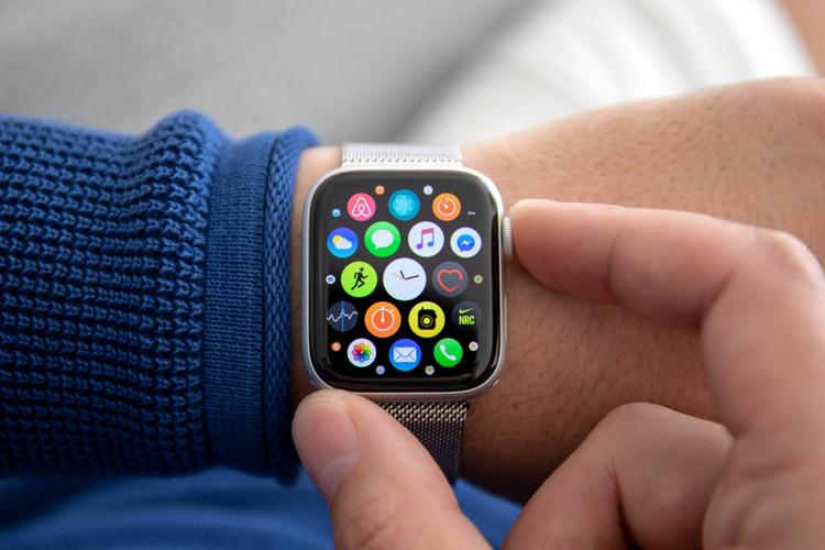 Доступные часы Apple с пластиковым корпусом и керамическим волокном, подробно описанные в последнем патенте
