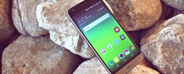 Как заблокировать / разблокировать телефон Android с помощью голоса, используя Google Assistant