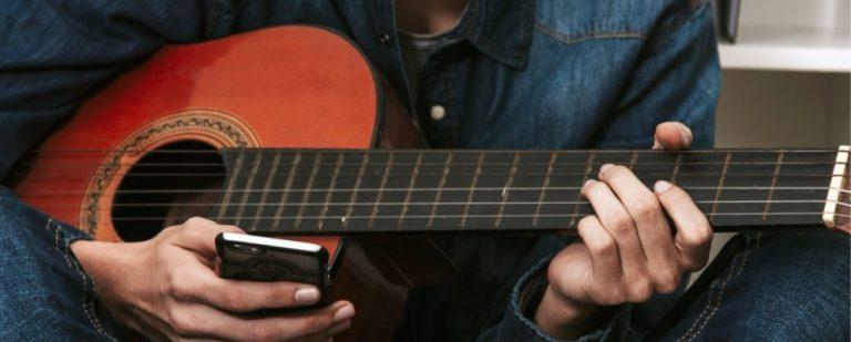 10 лучших бесплатных приложений, которые помогут вам научиться играть на гитаре
