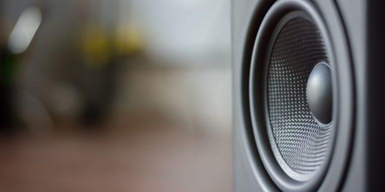 Как наслаждаться пространственным звуком с Windows Sonic для наушников