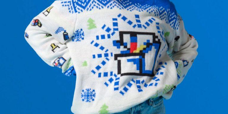 Теперь вы можете поддержать девушек, которые программируют, купив уродливый свитер для Windows