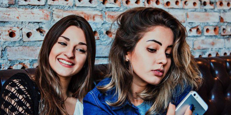 9 забавных мобильных приложений для изменения цвета волос на фотографиях
