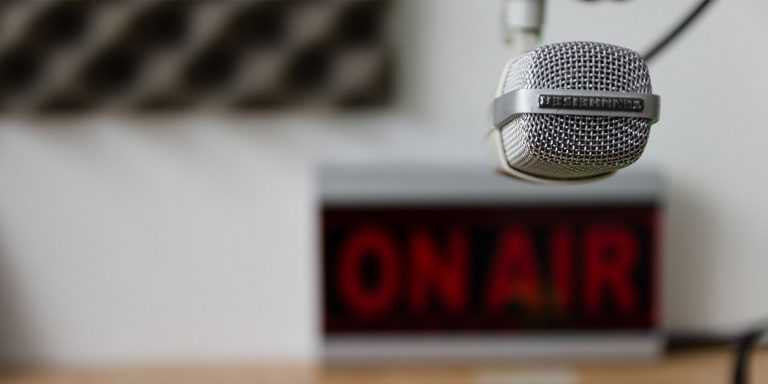Как исправить петлю звуковой обратной связи микрофона в Windows 10