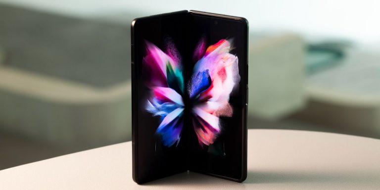 Galaxy Z Fold 3 и Flip 3 уже стали хитом для Samsung