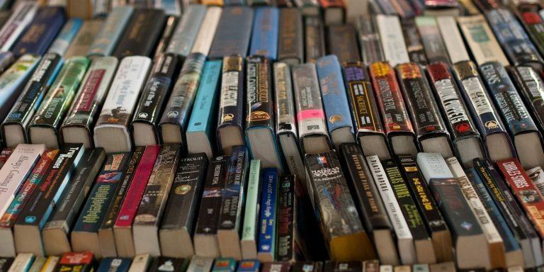 6 приложений для рекомендации книг, которые подскажут, что читать дальше